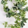 Ljusgrön konstgjord murgröna girlang. Besök Blickfång.se