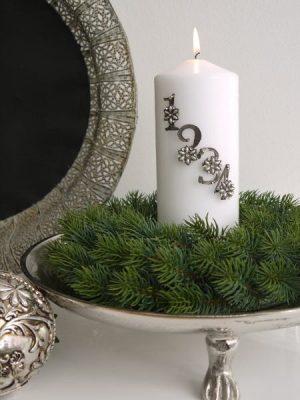Adventssiffror blommor och pärlor