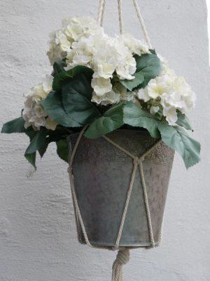 Hängampel i jute till krukväxter. Besök Blickffång.se