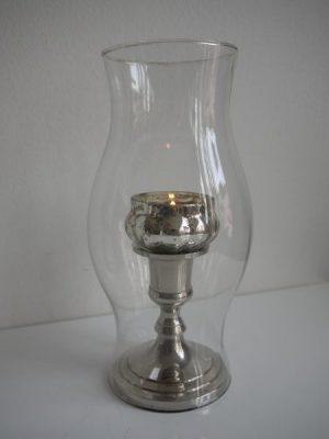 Liten glaskupa utan botten till ljusfateller ljusstakar. Besök Blickfång.se