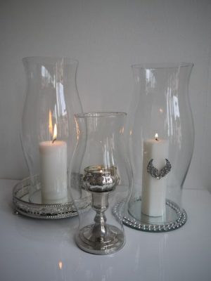 Stor glascylinder utan botten till ljusstakar. Besök Blickfång.se