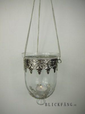Hängampel i glas och silver i fransk lantlig stil