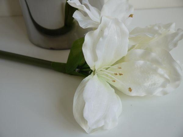 konstgjord-amaryllis-vit