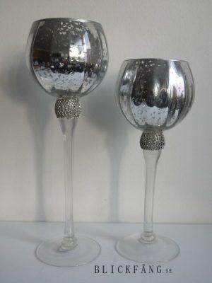 Ljuslykta på fot i glas med strass
