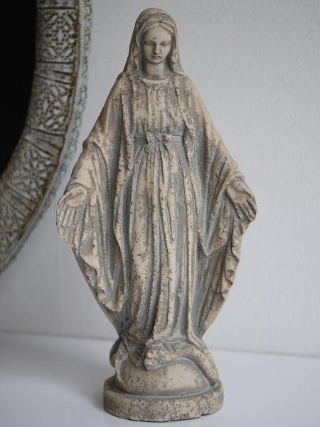 Madonna-staty