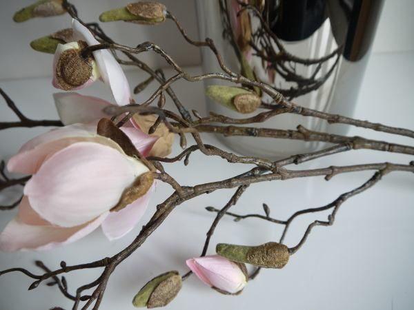 rosa konstgjord magnolia