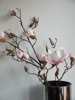 Lång rosa konstgjord magnolia kvist