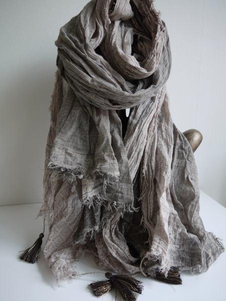 scarf-brun-tofsar
