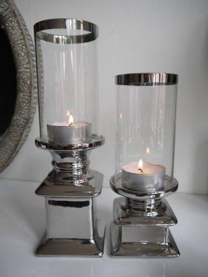 Stilren ljusstake med cylinderglas