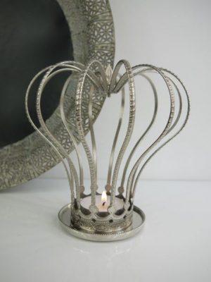 Stor krona till ljus i silver. Besök Blickfång.se