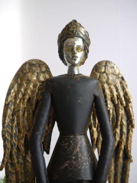 svart-plat-angel