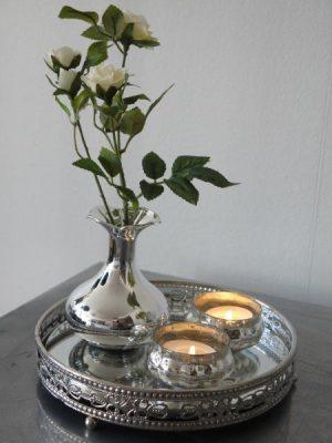 Liten vas i silver. Besök Blickfång.se