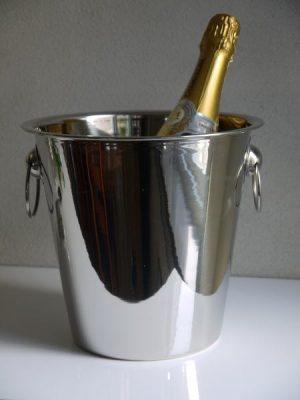 Vinkyl - stilren champagnekylare i rostfritt stål