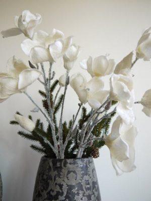 Konstgjord vit magnolia med frost