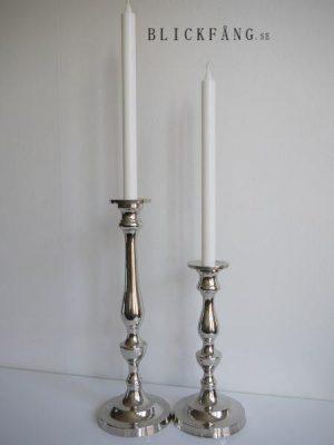 Ljusstake i blank silver i två storlekar