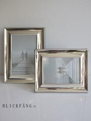 Klassisk fotoram med pärlkant. Besök Blickfång.se