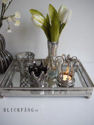 Rektangular spegelbricka med silverkant