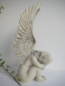 Prydnadsfigur ängel med vingar