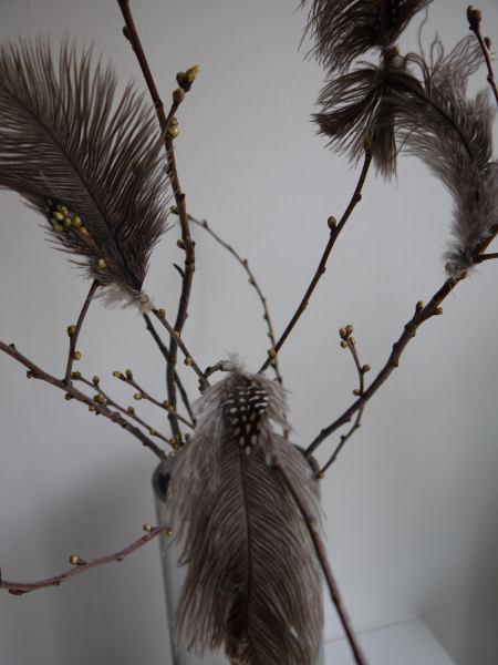 fjädrar bruna påsk