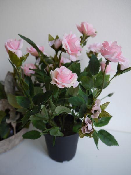 konstgjord-ros-i-kruka