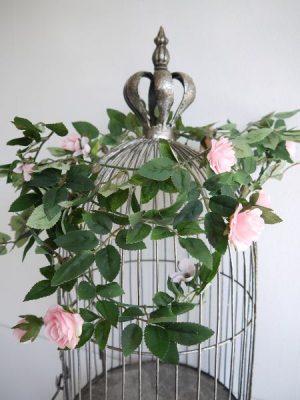 Rosa rosgirlang, konstgjord