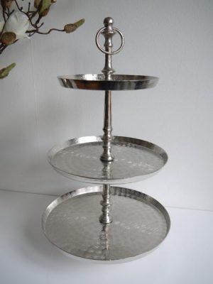 Våningsfat i silver med 3 fat