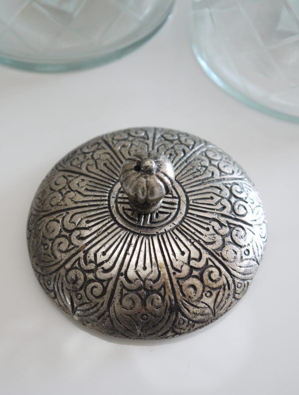 Glasburk-med-lock-i-silver-1