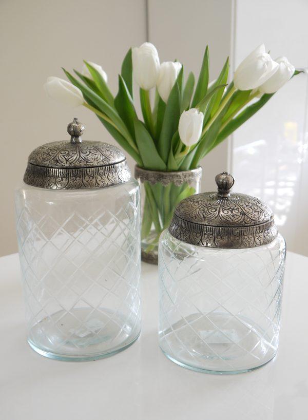 Glasburk-med-lock-i-silver