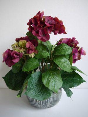 Konstgjord mörklila hortensia. Besök blickfang.se