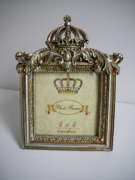 fotoram-guld-med-krona