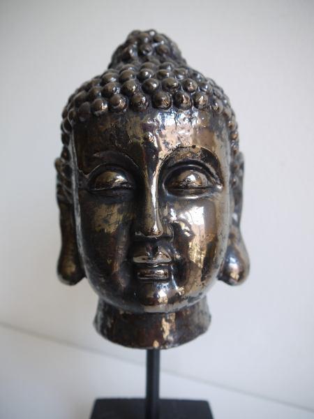 buddha-figur-pa-fot