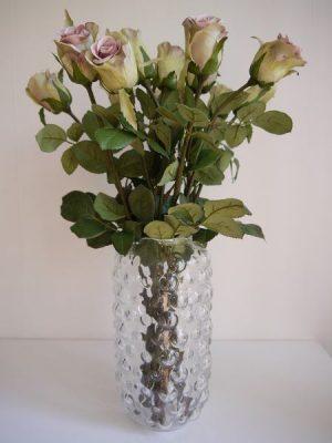 Konstgjord ros i gammalrosa. Besök Blickfång.se