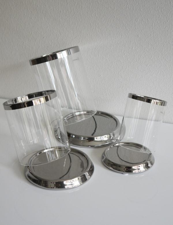 rund-ljuslykta-silver-pa-fat-1