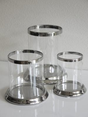 Rund ljuslykta silver på fat. Besök Blickfång.se