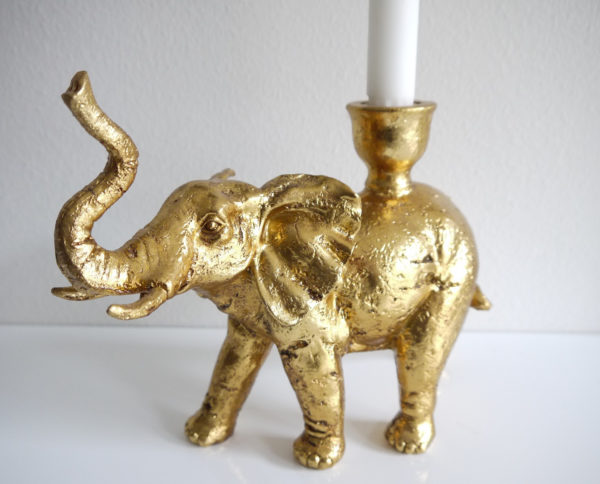 Elefant-ljusstake-i-guld-1
