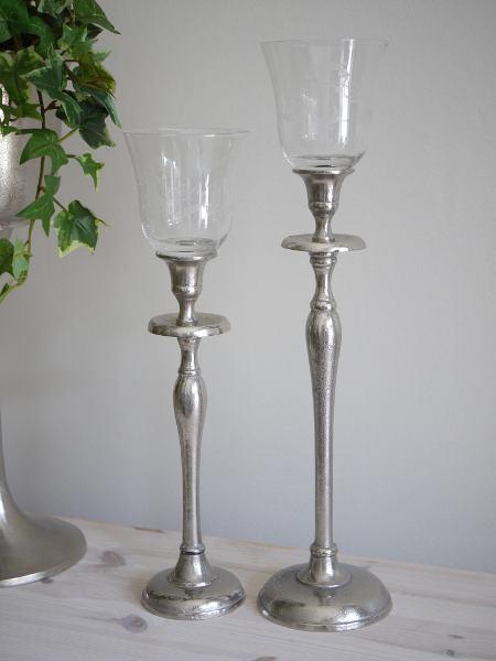 Glaskupa-med-inristad-dekor-i-glaset