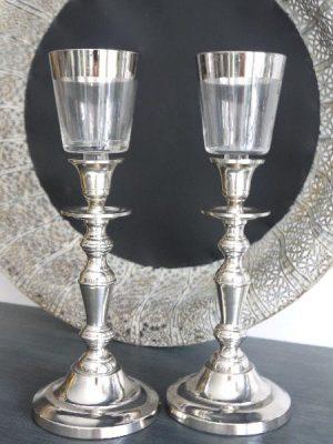 glaskupa med silverkant att sätta på en ljusstake. Besök Blickfång.se