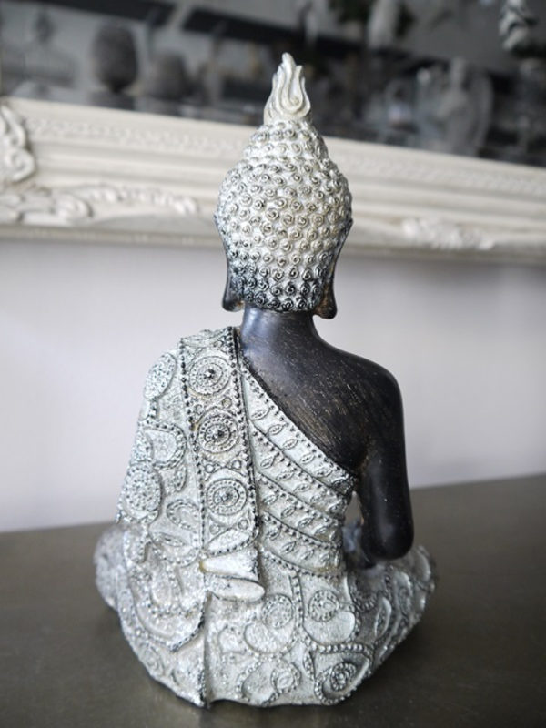 Prydnadsfigur-brun-buddha-med-silver-2
