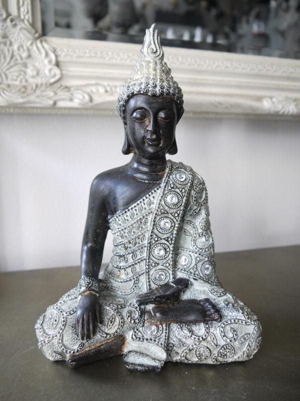 Prydnadsfigur-brun-buddha-med-silver-3