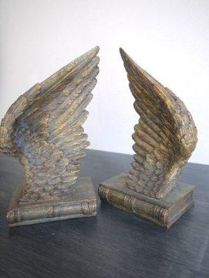 Bokstöd änglavingar i guld