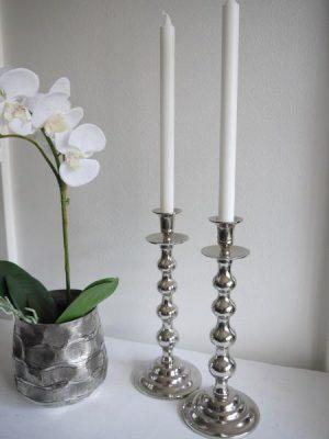 Kulformad silverfärgad ljusstake