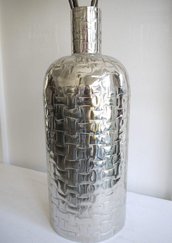 Golvvas-i-silver-i-stilren-design