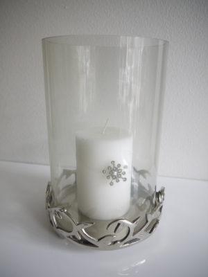 Stor ljuslykta på silverfat till blockljus. Besök Blickfång.se