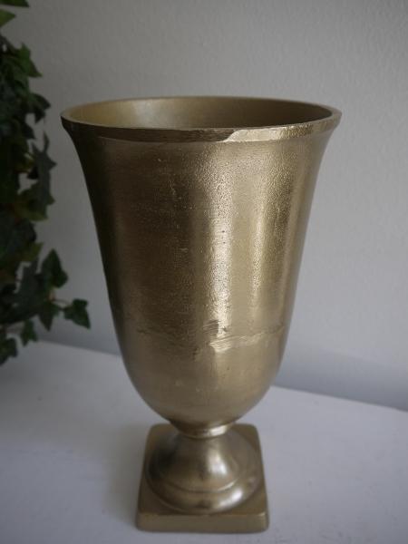 P1330138-kruka-guld