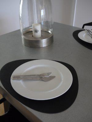 Svart bordstablett