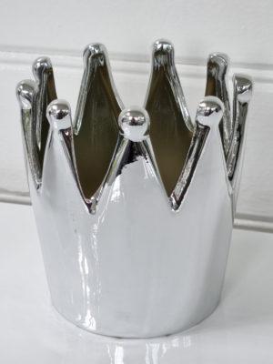 Stor krona i silver. Besök Blickfång.se