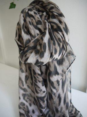 Stor scarf med leopardmönster