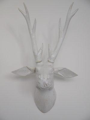 Vaggtrofé vit hjort