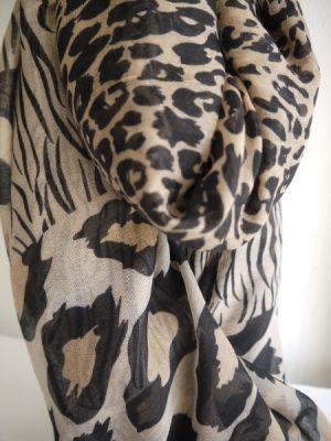Scarf med leopard print