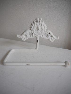 Toalettpappershållare vit gjutjärn. Besök Blickfång.se